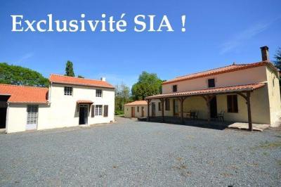 Maison Chantonnay &bull; <span class='offer-area-number'>86</span> m² environ &bull; <span class='offer-rooms-number'>7</span> pièces
