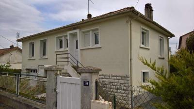 Maison St Maixent l Ecole &bull; <span class='offer-area-number'>90</span> m² environ &bull; <span class='offer-rooms-number'>6</span> pièces