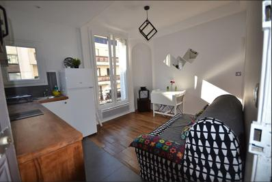Appartement Levallois Perret &bull; <span class='offer-area-number'>31</span> m² environ &bull; <span class='offer-rooms-number'>2</span> pièces