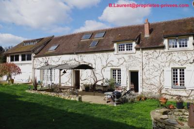 Maison Hermeray &bull; <span class='offer-area-number'>250</span> m² environ &bull; <span class='offer-rooms-number'>7</span> pièces