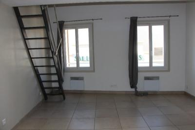 Appartement Ollioules &bull; <span class='offer-area-number'>40</span> m² environ &bull; <span class='offer-rooms-number'>2</span> pièces