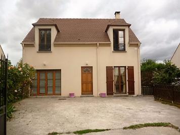 Maison Rozay en Brie &bull; <span class='offer-area-number'>145</span> m² environ &bull; <span class='offer-rooms-number'>6</span> pièces