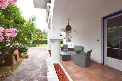 Maison Billere &bull; <span class='offer-area-number'>145</span> m² environ &bull; <span class='offer-rooms-number'>5</span> pièces