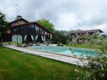 Maison Saubusse &bull; <span class='offer-area-number'>180</span> m² environ &bull; <span class='offer-rooms-number'>4</span> pièces