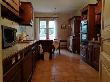 Maison Villemontais &bull; <span class='offer-area-number'>225</span> m² environ &bull; <span class='offer-rooms-number'>8</span> pièces