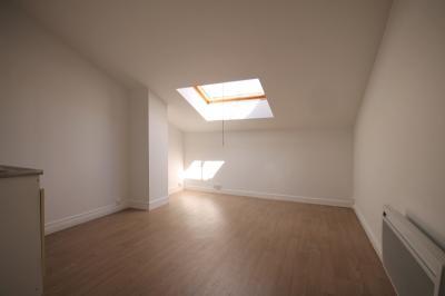 Appartement Seyssins &bull; <span class='offer-area-number'>22</span> m² environ &bull; <span class='offer-rooms-number'>1</span> pièce