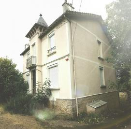 Maison Champagne &bull; <span class='offer-area-number'>160</span> m² environ