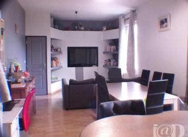 Appartement Aurec sur Loire &bull; <span class='offer-area-number'>96</span> m² environ &bull; <span class='offer-rooms-number'>4</span> pièces