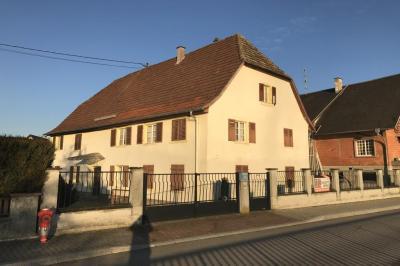 Maison La Wantzenau &bull; <span class='offer-area-number'>285</span> m² environ &bull; <span class='offer-rooms-number'>6</span> pièces
