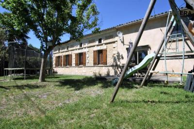 Maison Reignac &bull; <span class='offer-area-number'>162</span> m² environ &bull; <span class='offer-rooms-number'>4</span> pièces