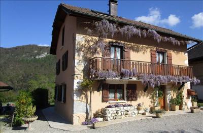 Maison Vieugy &bull; <span class='offer-area-number'>120</span> m² environ &bull; <span class='offer-rooms-number'>6</span> pièces