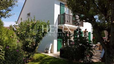 Maison Fourqueux &bull; <span class='offer-area-number'>140</span> m² environ &bull; <span class='offer-rooms-number'>7</span> pièces