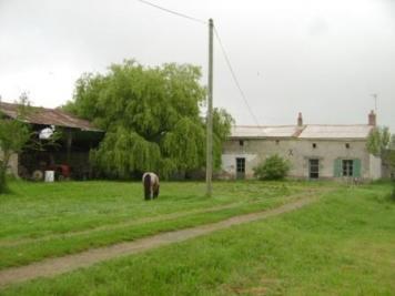 Maison Doue la Fontaine &bull; <span class='offer-area-number'>60</span> m² environ &bull; <span class='offer-rooms-number'>2</span> pièces