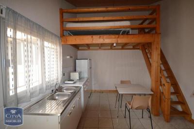 Maison Cholet &bull; <span class='offer-area-number'>16</span> m² environ &bull; <span class='offer-rooms-number'>1</span> pièce