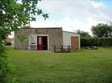 Maison Rabodanges &bull; <span class='offer-area-number'>21</span> m² environ &bull; <span class='offer-rooms-number'>1</span> pièce