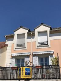 Appartement Bailly Romainvilliers &bull; <span class='offer-area-number'>69</span> m² environ &bull; <span class='offer-rooms-number'>3</span> pièces