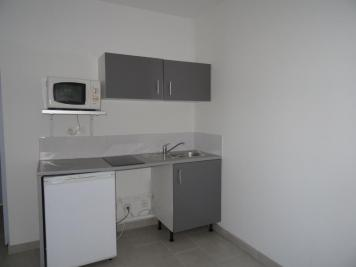 Appartement Toulon &bull; <span class='offer-area-number'>19</span> m² environ &bull; <span class='offer-rooms-number'>2</span> pièces
