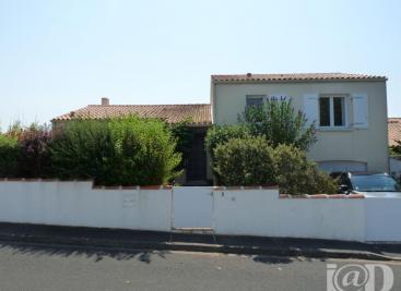 Maison L Houmeau &bull; <span class='offer-area-number'>121</span> m² environ &bull; <span class='offer-rooms-number'>5</span> pièces
