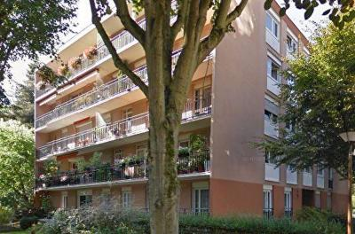 Appartement Velizy Villacoublay &bull; <span class='offer-area-number'>49</span> m² environ &bull; <span class='offer-rooms-number'>2</span> pièces