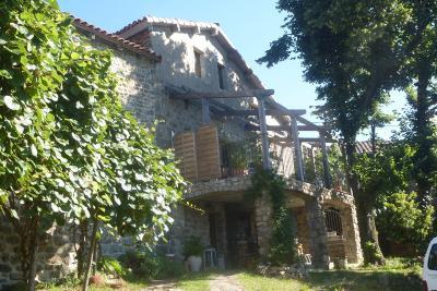 Maison St Pierre de Colombier &bull; <span class='offer-area-number'>200</span> m² environ