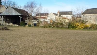 Terrain Montreuil Bellay &bull; <span class='offer-area-number'>2 924</span> m² environ