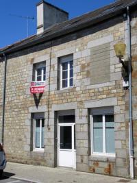 Maison St Brice en Cogles &bull; <span class='offer-area-number'>130</span> m² environ &bull; <span class='offer-rooms-number'>8</span> pièces
