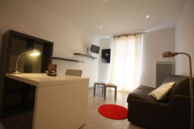 Appartement Marseille 02 &bull; <span class='offer-area-number'>21</span> m² environ &bull; <span class='offer-rooms-number'>1</span> pièce