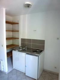 Appartement St Symphorien d Ozon &bull; <span class='offer-area-number'>28</span> m² environ &bull; <span class='offer-rooms-number'>1</span> pièce