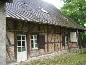Maison St Etienne en Bresse &bull; <span class='offer-area-number'>193</span> m² environ &bull; <span class='offer-rooms-number'>4</span> pièces
