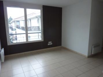 Appartement La Tour du Pin &bull; <span class='offer-area-number'>36</span> m² environ &bull; <span class='offer-rooms-number'>1</span> pièce