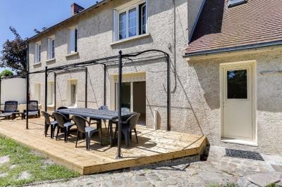 Maison Garancieres &bull; <span class='offer-area-number'>77</span> m² environ &bull; <span class='offer-rooms-number'>4</span> pièces
