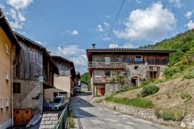 Maison La Lechere &bull; <span class='offer-area-number'>138</span> m² environ &bull; <span class='offer-rooms-number'>4</span> pièces