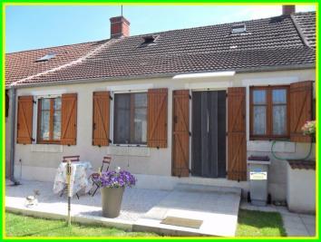 Maison Dun sur Auron &bull; <span class='offer-area-number'>97</span> m² environ &bull; <span class='offer-rooms-number'>4</span> pièces