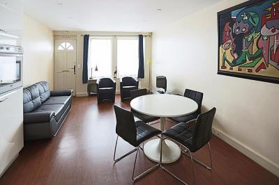 Maison Paris 14 &bull; <span class='offer-area-number'>65</span> m² environ &bull; <span class='offer-rooms-number'>3</span> pièces