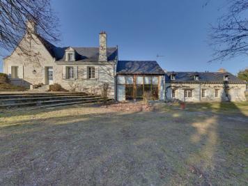 Maison La Menitre &bull; <span class='offer-area-number'>215</span> m² environ &bull; <span class='offer-rooms-number'>9</span> pièces