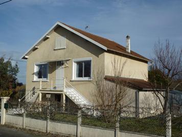Maison St Leon sur l Isle &bull; <span class='offer-area-number'>139</span> m² environ &bull; <span class='offer-rooms-number'>4</span> pièces