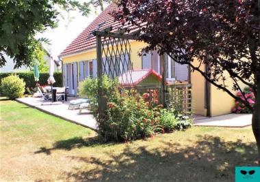 Maison Darnetal &bull; <span class='offer-area-number'>168</span> m² environ &bull; <span class='offer-rooms-number'>5</span> pièces