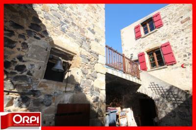 Maison Vic le Comte &bull; <span class='offer-area-number'>172</span> m² environ &bull; <span class='offer-rooms-number'>8</span> pièces