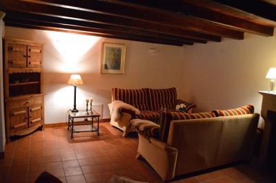 Maison La Benate &bull; <span class='offer-area-number'>202</span> m² environ &bull; <span class='offer-rooms-number'>8</span> pièces