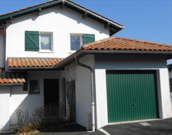 Maison St Pee sur Nivelle &bull; <span class='offer-area-number'>79</span> m² environ &bull; <span class='offer-rooms-number'>4</span> pièces