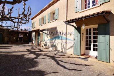 Maison Courthezon &bull; <span class='offer-area-number'>137</span> m² environ &bull; <span class='offer-rooms-number'>5</span> pièces