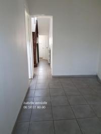 Maison La Menitre &bull; <span class='offer-area-number'>182</span> m² environ &bull; <span class='offer-rooms-number'>8</span> pièces