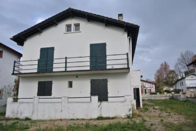 Appartement Urrugne &bull; <span class='offer-area-number'>65</span> m² environ &bull; <span class='offer-rooms-number'>3</span> pièces