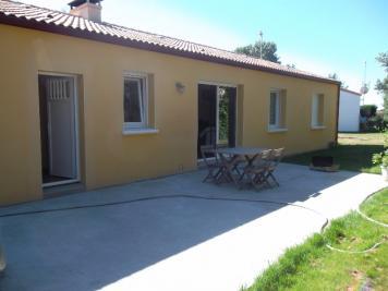Maison Les Brouzils &bull; <span class='offer-area-number'>92</span> m² environ &bull; <span class='offer-rooms-number'>4</span> pièces
