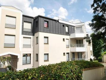 Appartement Suresnes &bull; <span class='offer-area-number'>95</span> m² environ &bull; <span class='offer-rooms-number'>3</span> pièces