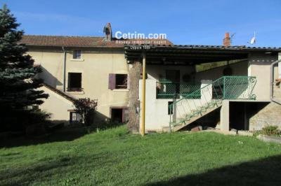 Maison St Dier d Auvergne &bull; <span class='offer-area-number'>140</span> m² environ &bull; <span class='offer-rooms-number'>8</span> pièces