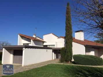 Villa Aixe sur Vienne &bull; <span class='offer-area-number'>186</span> m² environ &bull; <span class='offer-rooms-number'>6</span> pièces