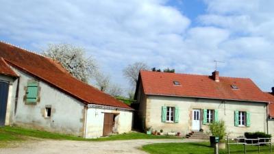 Maison Souvigny &bull; <span class='offer-area-number'>102</span> m² environ &bull; <span class='offer-rooms-number'>5</span> pièces