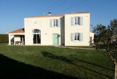 Maison Tonnay Charente &bull; <span class='offer-area-number'>158</span> m² environ &bull; <span class='offer-rooms-number'>6</span> pièces