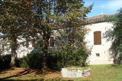 Maison St Paul Cap de Joux &bull; <span class='offer-area-number'>220</span> m² environ &bull; <span class='offer-rooms-number'>10</span> pièces